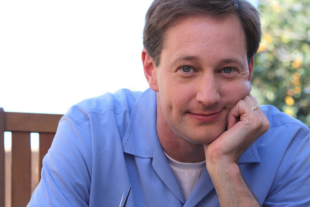 File:Dave Hussey 3.png