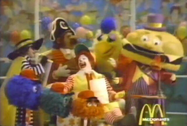 File:Ronald McDonald & Friends 15.jpg