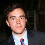 File:Jason Saldaña (tucker) 2008.png