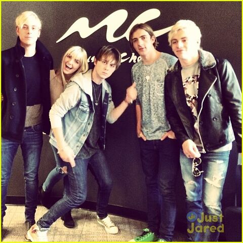 File:R5 music choice play stop (1).jpg