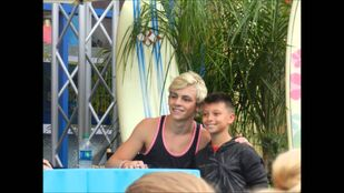 Ross Lynch and a fan