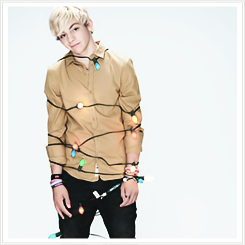 File:Ross Lynch Lights (1).png