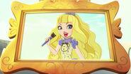 DG HTG - blondie on big screen