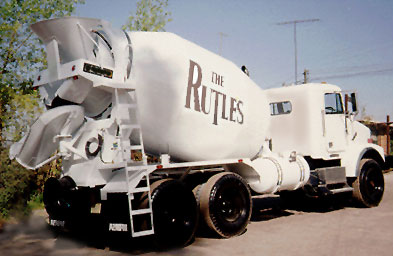 File:Rutle cement mixers.jpg