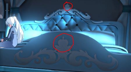 File:Apple design on the bed, linking back to her counter part snow white.JPG