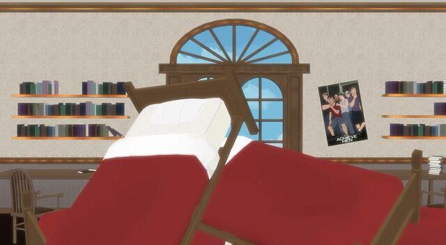 File:Bed pile-1111.jpg