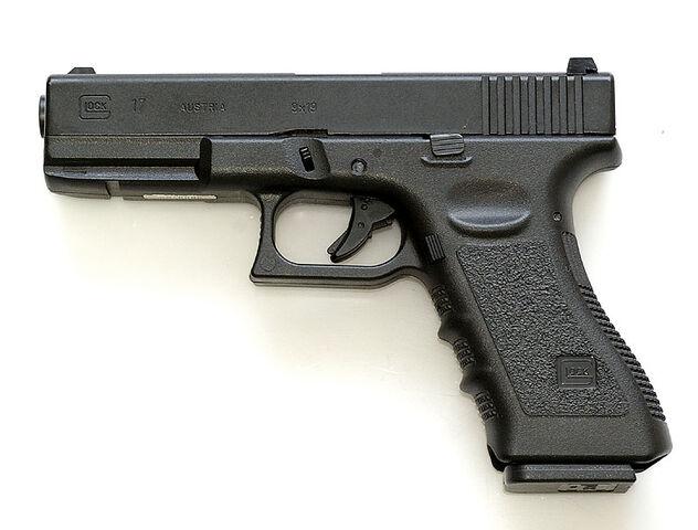 File:NR4 - Glock 17 in real life.jpg