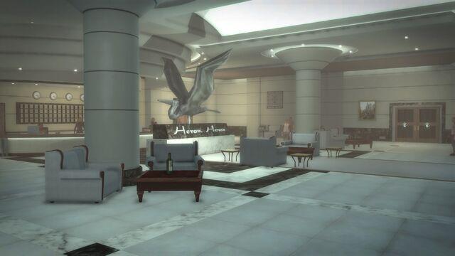 File:Heron Hotel - interior lobby from door.jpg