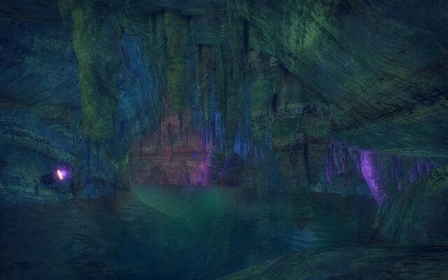 File:Stilwater Caverns - Stalagtites.jpg