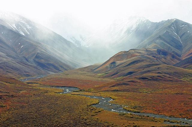 File:Alaska-mountains-tundra-stream-wilderness.jpg