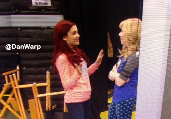 File:Ariana and Jennette on set Jan 31, 2013.jpg