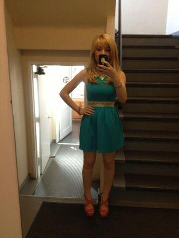 File:Jennette April 24, 2013.jpg