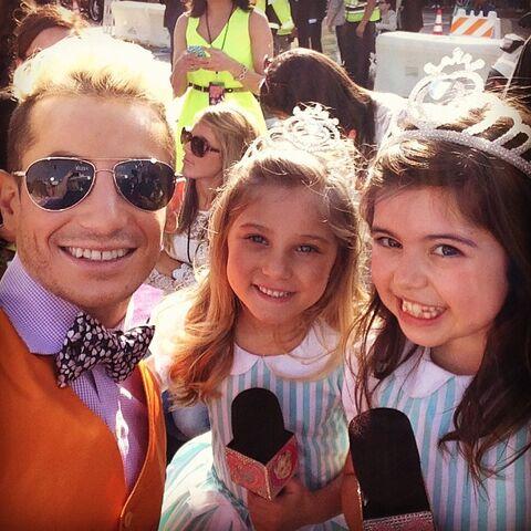 File:Frankie with Sophia and Rosie KCAs 2013.jpg