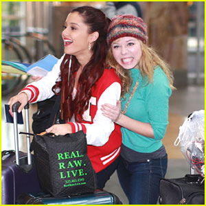 File:Ariana and Jennette at the airport.jpg