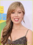 Jennette at 24th KCAs