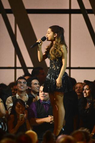 File:Ariana Grande singing at the Billboard Music Awards.jpg