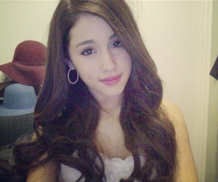 File:Ariana wearing her hair down.jpg