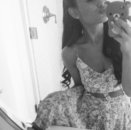 File:Ariana before her dinner with grandparents.jpg