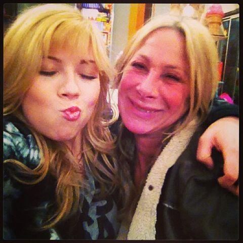 File:Jennette and make-up artist Patti May 6, 2013.jpg