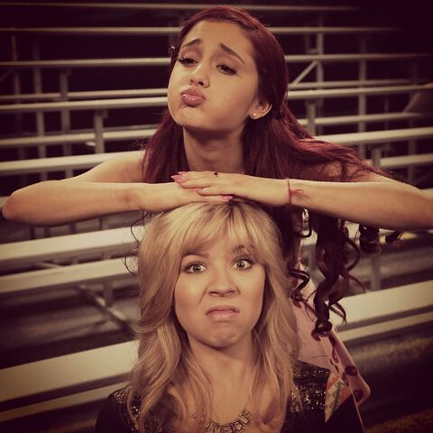 File:Sam and cat photo number 4 on May 31, 2013.jpg