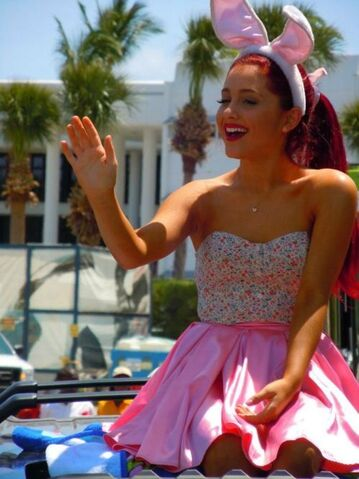 File:Ariana waving in the Miami Easter Parade.jpg