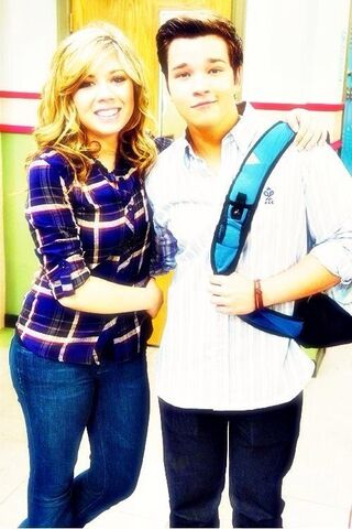 File:Jennette and Nathan Kress on the set of iGoodbye.jpg