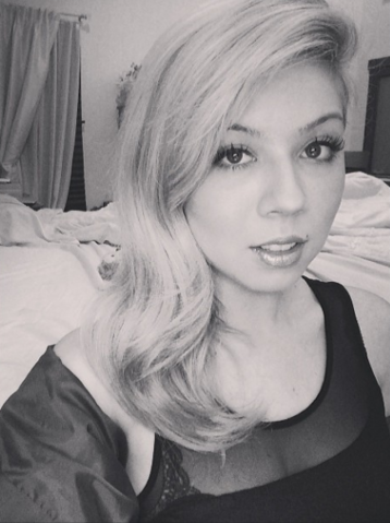 File:Jennette McCurdy black and white 3 March, 2014.png