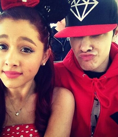 File:Ariana at Disney World with Jordan.jpg