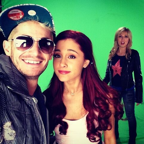 File:Ariana and Jennette with Frankie Grande.jpg
