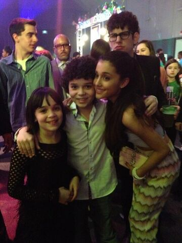 File:Cameron and his sister with Ariana and Matt at 2013 pre-KCA party.jpg