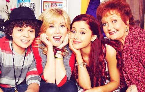 File:Maree, Cameron, Jennette and Ariana.jpg
