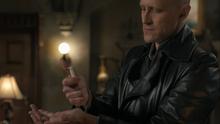 1x02 Druitt injecting Helen's centrifuged blood