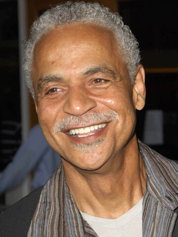 File:Ron Glass.jpg