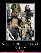 Motiv - better love story than twi
