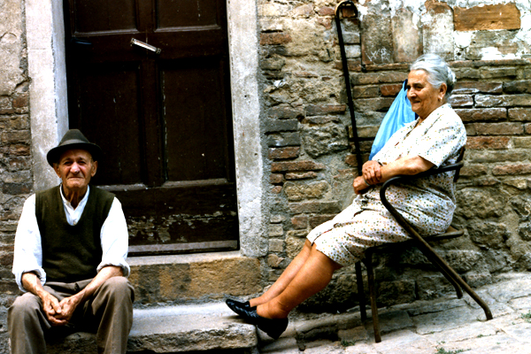 File:Old italian couple.jpg