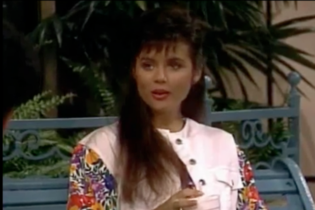 File:S3 Ep 23 - 15 kelly.png