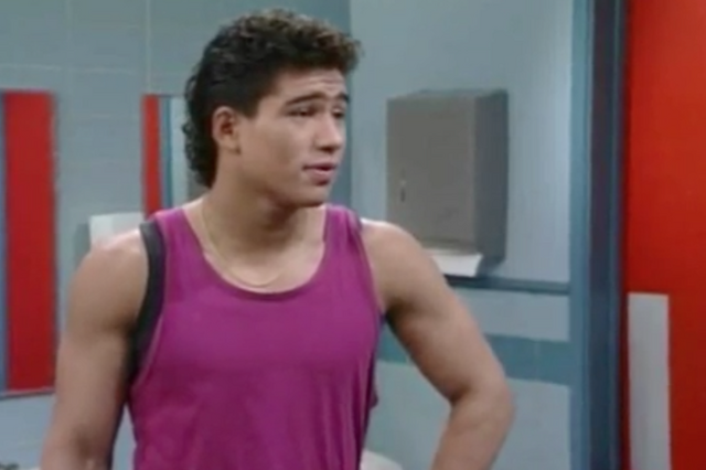File:S2 E1 - The Prom -35 slater.png
