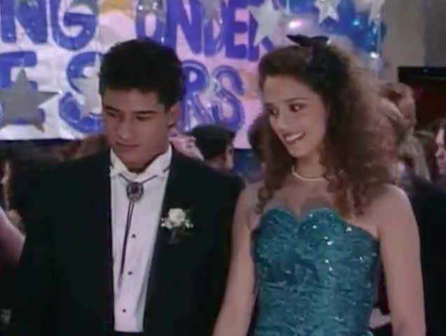 File:S2 E1 - The Prom -46 jessie n slater.png