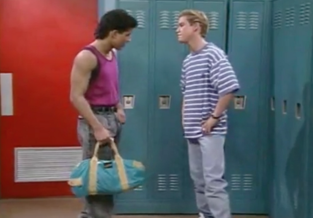 File:S2 E1 - The Prom -36 slater zack.png