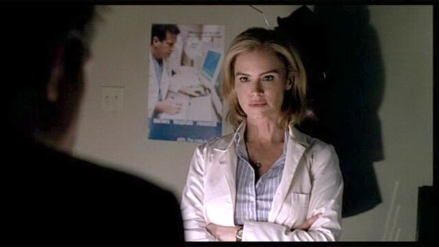 File:009SWX Betsy Russell 002.jpg