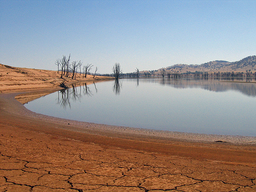 File:Lake Hume in Vic 6525.jpg