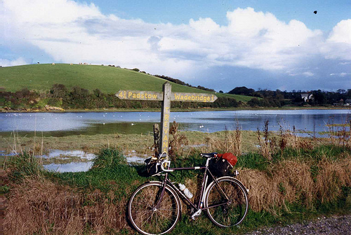 File:Camel Trail ,Cornwall Oct 1987.jpg