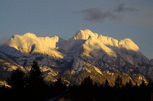 File:A rare clear day in alberni.jpg