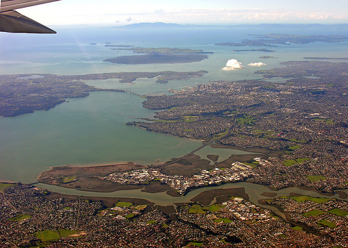 File:Auckland, New Zealand, 31 May 2006.jpg