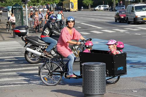 File:Minivan (human-powered, Copenhagen-style).jpg