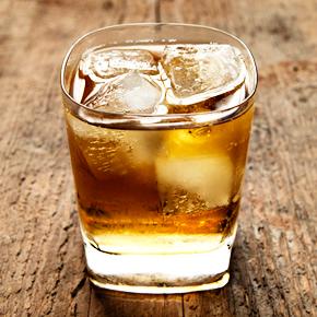 File:Whiskey-soda.jpg