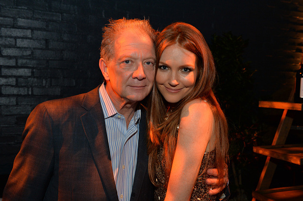 File:2014 LA TGIT Premiere Event - JeffPerry and Darby Stanchfield 01.jpg