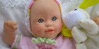 Die Puppe mit den 3 Fingern