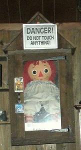 Datei:Puppe Annabelle.jpg