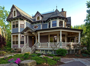 Lovely-This-Old-House-Decoration-ideas-for-superb-Exterior-Traditional-design-ideas-with-bay-window-beige-railing-beige-stair-railing-beige-window-trim-blue-exterior